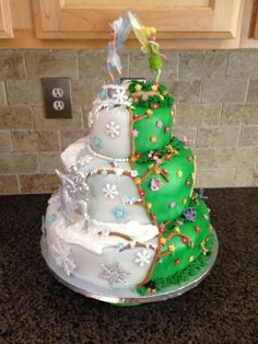 Tinker Bell / Periwinkle Cake (Pixie Hollow and the Winter Woods Fairy Birthday Cake, Birthday Cake Girls, Fourth Birthday, Beautiful Cakes, Amazing Cakes, Tinkerbell Party, Fairy Cakes, Disney Cakes, Frozen Cake