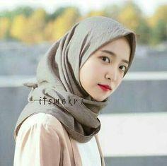 Muslim Beauty, Face Swaps, Kim Yerim, Red Velvet Irene, Girl Hijab, Meme Faces, Retro Outfits, Korean Girl, Kpop Girls