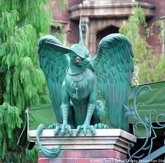 The Haunted Mansion Haunted Mansion Halloween, Halloween Graveyard, Halloween Home Decor, Halloween House, Halloween Ideas, Halloween Decorations, Halloween Costumes, Roof Tops, Griffins
