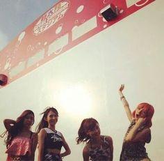 Scandal Scandal Japanese Band, Mami Sasazaki, Pop Rock Bands, Pop Rocks, Female, Haruna, Concert, Concerts