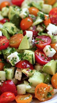 Healthy Meals Tomato-Cucumber-Avocado-Salad made It was so good! I served with grilled shrimp and roasted potatoes - This tomato, cucumber, avocado salad is an easy, flavorful summer salad. It's crunchy, fresh and simple to make. It's a family favorite. Salade Healthy, Healthy Salads, Healthy Eating, Healthy Food, Bbq Salads, Camping Salads, Simple Salads, Healthy Appetizers, Dinner Healthy