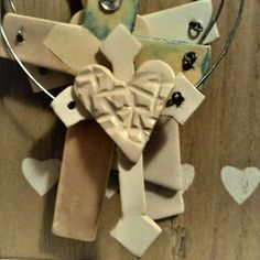 Křížek se srdcem, bílá patina, 7*5 cm Cookie Cutters