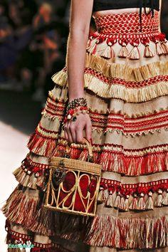 e 🏣 haute couture high fashion allure style look gitane bohemian robe dress kleid vo. Fashion Details, Look Fashion, Fashion Art, Runway Fashion, High Fashion, Fashion Show, Womens Fashion, Fashion Design, Fashion Trends