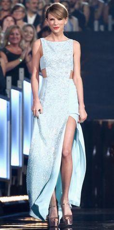 Taylor Swift in Reem Acra