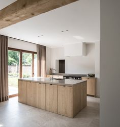 The Best Way To Incorporate Contemporary Style Kitchen Designs At Home Kitchen Design Open, Best Kitchen Designs, Küchen Design, Layout Design, Wooden House Design, Le Logis, Casa Clean, Hidden Kitchen, Beautiful Kitchens