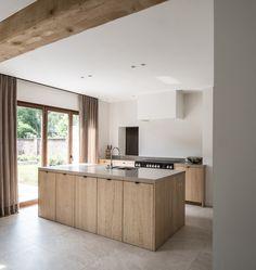 The Best Way To Incorporate Contemporary Style Kitchen Designs At Home Kitchen Design Open, Best Kitchen Designs, Kim House, Wooden House Design, Le Logis, Casa Clean, Hidden Kitchen, Küchen Design, Design Layouts