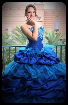 92b28bd9cd3 Quinceanera hair and Make-Up. Quinceanera Fashion show  tomasbenetiz   quincedresses  fashionshow