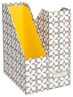 lovely organizational tool; still liking the gray/yellow combo