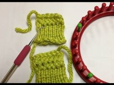 Loom Knit - Half Hitch Stitch Cast on - makes a neater starting row than a traditional e-wrap.  From GoodKnitKisses.