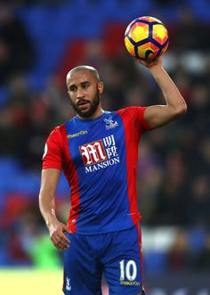 Andros Townsend of Crystal Palace in action during the Premier League match between Crystal Palace and Sunderland at Selhurst Park on February 4, 2017 in London, England.