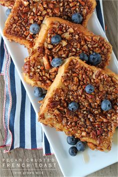 Pecan Crusted French Toast - the perfect french toast coated in crunchy, cinnamon pecans! Best breakfast ever! Perfect French Toast, Make French Toast, Healthy French Toast, Brunch Recipes, Fall Recipes, Breakfast Recipes, Bread Recipes, Breakfast Sandwiches, Hamburger Recipes