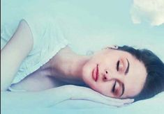 Women's Health Magazine: What Causes Tiredness? The Surprising Things That Make You Sleepy Cold And Cough Remedies, Headache Remedies, Sleep Remedies, Skin Care Remedies, What Causes Tiredness, Holistic Remedies, Natural Remedies, Best Sleep Positions, Types Of Dreams