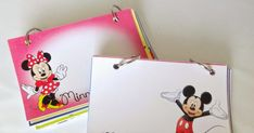 How to make a personalize DIY Disney autograph book for your Disney Vacation with free printables Disneyland Vacation, Disney World Vacation, Disney Vacations, Disney Trips, Disney Cruise, Disney Diy, Disney Land, Disney Crafts, Disney Printables