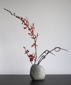 Ikebana 'Red orchid' - second attempt | The second attempt a… | Flickr