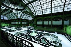 GrandPalais.fr : Les jardins à la Française lors du défilé Chanel prêt-à-porter printemps-été 2011 -