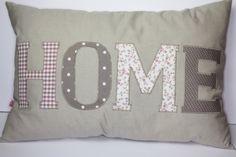 DIY Home Buchstaben http://www.liebevoll-puppen.de/2014/03/27/home-applikationsbuchstaben/
