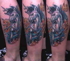 52 modèles de tatouage licorne ailé - 19 https://tattoo.egrafla.fr/2016/03/03/modele-tatouage-licorne/