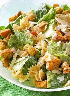 Caesar Salad Recipes with Chicken is One Of the Favorite Salad Recipes Of Many Persons Across the World. Besides Simple to Produce and Excellent Taste, This Caesar Salad Recipes with Chicken Also Healthy Indeed. Chicken Caesar Pasta Salad, Chicken Pasta, Crab Salad, Summer Salad Recipes, Pasta Salad Recipes, Junk Food, Ceasar Salat, Cena Formal, Salads For A Crowd