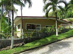 #caribbean #caribbeanhomes #interiors #houseandgarden #tropicalhouses #tropicalliving #troipcaldesign