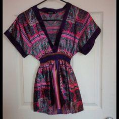 Kimono silky satin top/shirt Cute!!!! Love. Blanco Tops Blouses