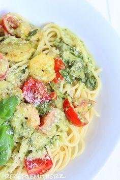 """Ein Lieblingsgericht bei Vapiano von meinem Göttergatten ist """"Scampi e Spinaci"""", Nudeln in einer Basilikum – Sahnesauce mit Scampi und frischem Blattspinat und Tomaten. Ich bin ja…"""