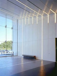 Atlantic Health Jets Training Facility / Skidmore, Owings & Merrill.  Interesting lighting detail.