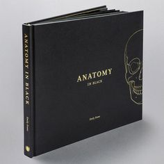 Anatomy in Black, by Emily Evans. Anatomy in Black is a sophisticated coffee table book for anatomy lovers. It illustrates the beauty of human anatomy reflected in a contemporary hardback book, created entirely in black and gold. Book Nerd, Book Club Books, Book Lists, Books Decor, Coffee Table Book Design, Best Coffee Table Books, Top Fashion, Fashion Books, Black Coffee Tables