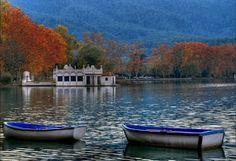 El lago de Bañolas (en catalán, L'Estany de Banyoles).  The largest lake in Cataluña, SPAIN.