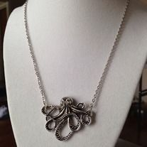 """16-18"""" with adjustable chain."""