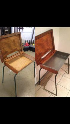 Table d'écolier modifiée et habillée de zinc vernis