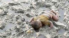 Refugiado do Myanmar: foto de bebê de 16 meses morto em naufrágio comove o mundo