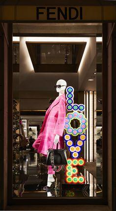 Fendi Holiday Windows 2017 - Avenue Montaigne, Paris