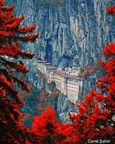 "25.1k Likes, 142 Comments - Architecture & Design (@architectanddesign) on Instagram: ""Sumela Monastery in #Trabzon - #Turkey (386 AD) ❤️ 📸: @cemilsahin #architectanddesign"""