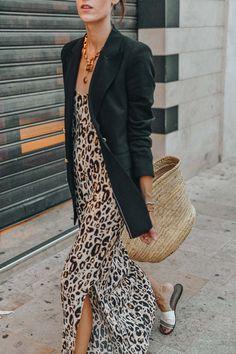 Le léopard de Jour & de Nuit Laugh of Artist - Leopard Dresses - Ideas of Leopard Dresses Estilo Fashion, Look Fashion, Ideias Fashion, Fashion Outfits, Womens Fashion, Fashion Mode, Fashion Art, Korean Fashion, Fashion Tips