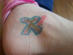 Je sors de chez le tatoueurs