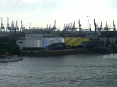 Musicaltheater im Hafen. Siehe sabstern.de Mittel zum Zweck | Die Welt von @kurzundknapp