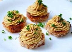Венгерский яичный паштет с грецким орехом.