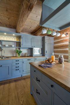 Prodej chalupy v Krkonoších :: Reality 1788 Cuisines Design, Country Kitchen, Country Style, Interior Styling, Kitchen Design, Sweet Home, Dining Room, Cottage, Cabin