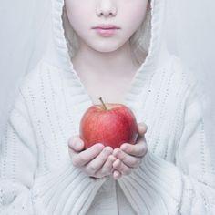 Snow White by Magda Berny