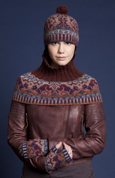 Hawk and Hound patterncard kit with 3 Ply neckline for extra warmth