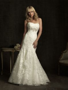 Trumpet/Mermaid Sweetheart Lace Sweep Train Appliques Wedding Dresses at Millybridal.com