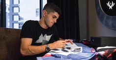 Chelsea Fc Players, Jack Wilshere, Christian Pulisic, Champions Of The World, Chelsea Football, Uefa Champions League, World Championship, Football Players, Blues