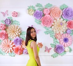 Paper flower wall for a baby nursery! This composition of handmade paper flowers would be a gorgeous backdrop for a baby room (Esty Paper Flower Backdrop Wedding, Flower Wall Backdrop, Flower Wall Decor, Wedding Paper, Wedding Flowers, Large Paper Flowers, Paper Flower Wall, Big Flowers, Paper Floral Arrangements
