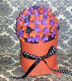 Bola de flores para decorar cualquier rincón bonito o fiesta - DIY | Aprender manualidades es facilisimo.com