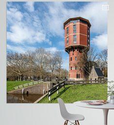 Watertoren aan de Turfmarkt in Zwolle. Sinds 2019 getransformeerd van watertoren naar woontoren met 21 loftappartementen. Mansions, House Styles, Canvas, Prints, Home Decor, Kunst, Tela, Decoration Home, Manor Houses