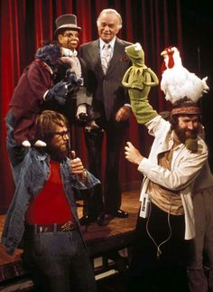 "After more than 50 years as a team, Edgar Bergen (1903-1978) and Charlie McCarthy make their final appearance together on ""The Muppet Show"", in an episode screened after Bergen's death.  Charlie McCarthy now resides in the Smithsonian Institution. Also pictured are Dave Goelz (b. 1946) with Gonzo and Jim Henson (1936-1990) with Kermit the Frog."