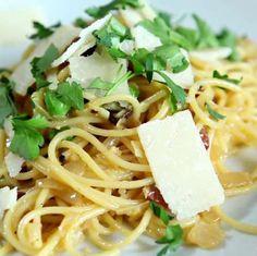 http://allrecipes.nl/recept/2762/klassieke-spaghetti-carbonara.aspx