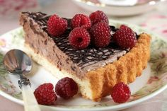 Šlehačkový Koka zákusek | Apetitonline.cz Cheesecake, Food, Cheesecakes, Essen, Meals, Yemek, Cherry Cheesecake Shooters, Eten