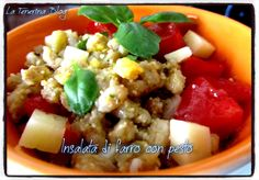 Insalata di farro al pesto con pomodorini, uova sode e formaggio