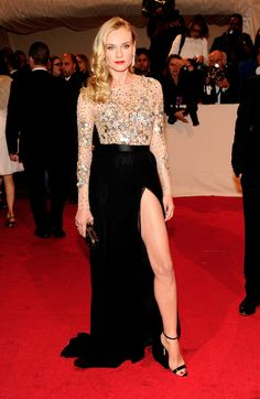 Diane Kruger en robe Jason Wu de la collection automne-hiver 2011-2012 au Met Ball à New York, le 3 mai 2011